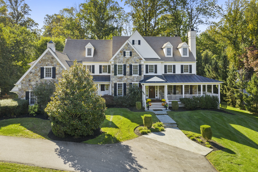 house for sale berwyn lakeside colonial exterior front