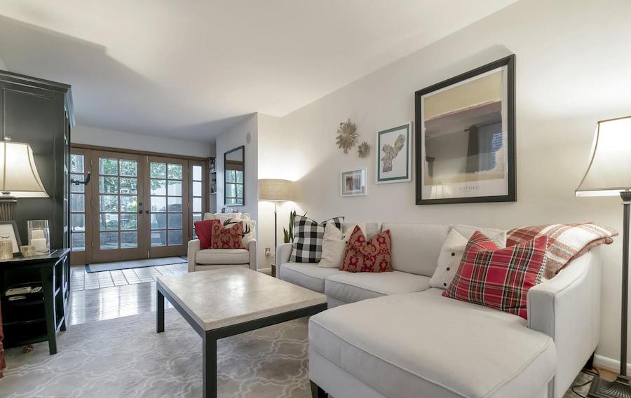 house for sale Fairmount workingman's row living room