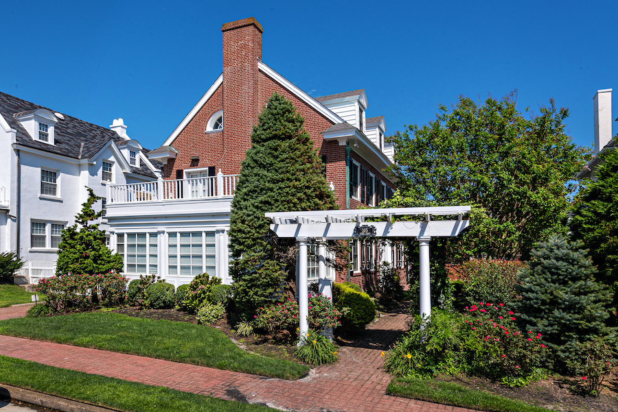 house for sale Ventnor colonial exterior street elevation
