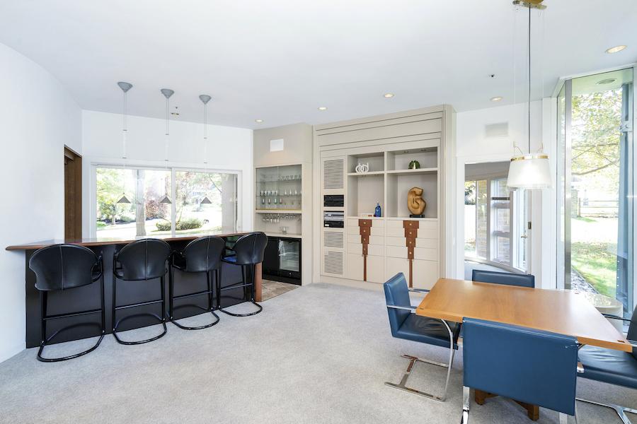 house for sale Flourtown modern manor bar