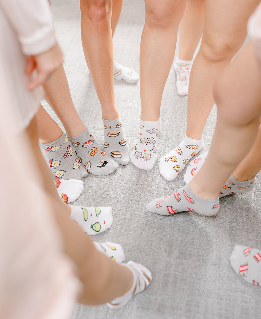 bridesmaids feet