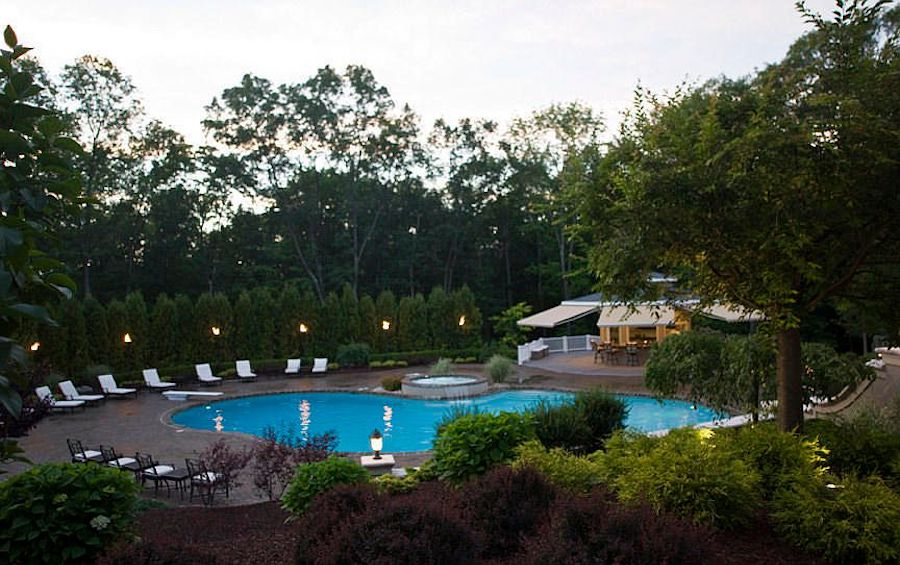 house for sale East Stroudsburg manor pool