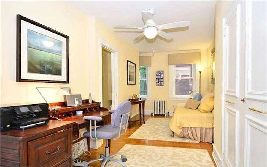 house for sale Rittenhouse Square alley trinity second-floor bedroom
