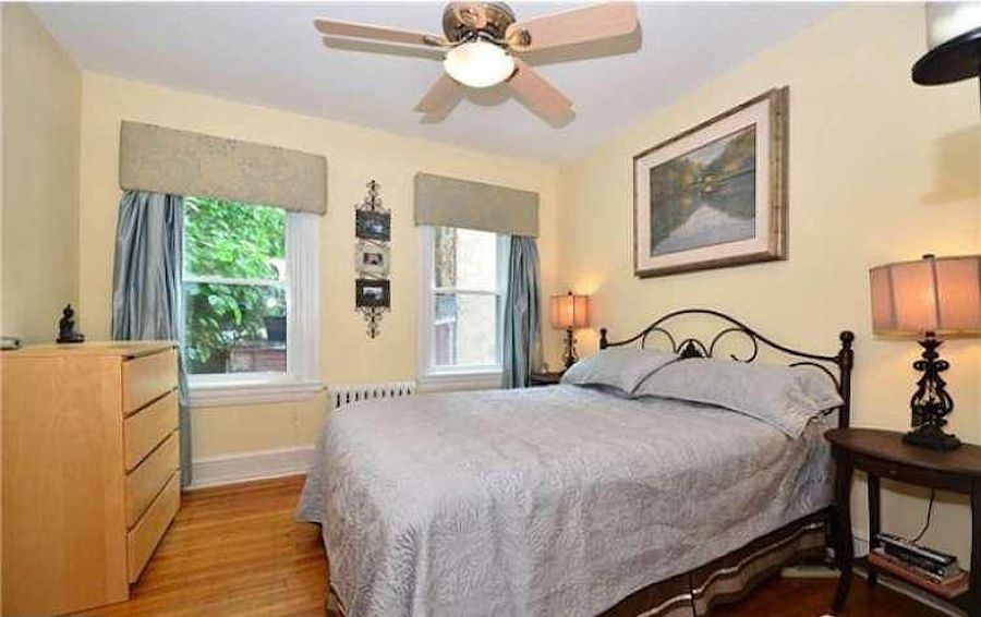 house for sale Rittenhouse Square alley trinity third-floor bedroom