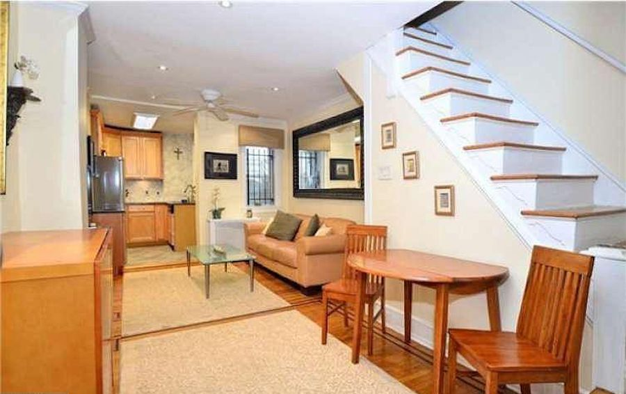 house for sale Rittenhouse Square alley trinity main floor