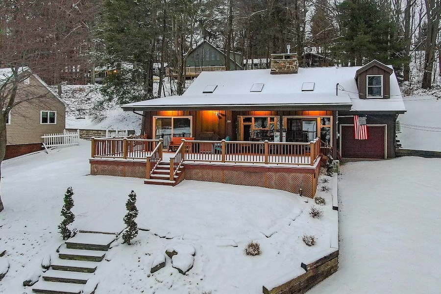 house for sale Lake Wallenpaupack lakeside cottage exterior front
