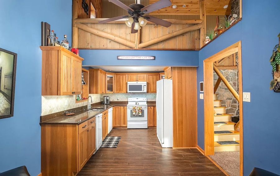 house for sale Lake Wallenpaupack lakeside cottage kitchen