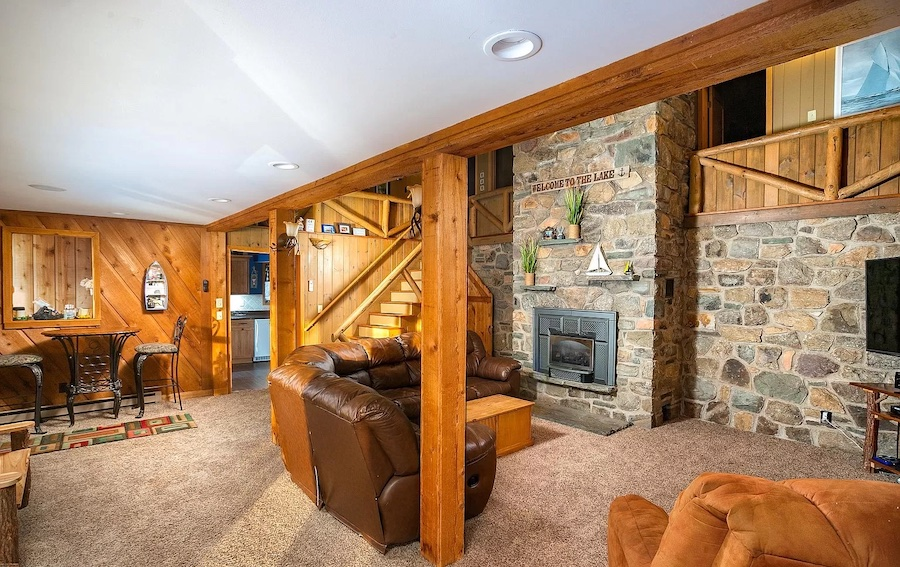 house for sale Lake Wallenpaupack lakeside cottage living room
