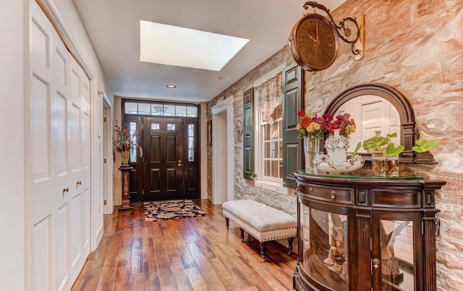 house for sale Worcester expanded farmhouse entrance hall