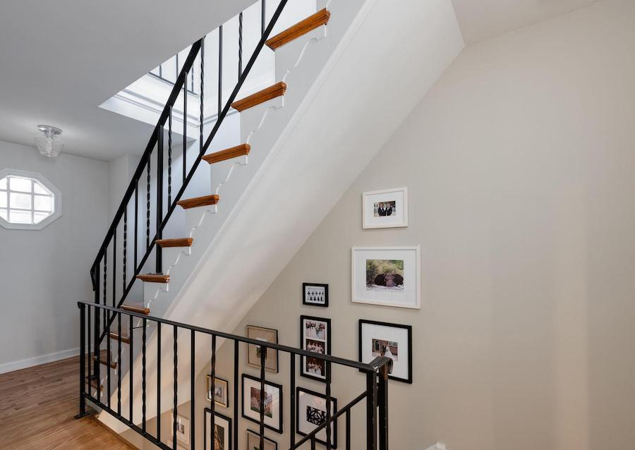 house for sale Rittenhouse square renovated trinity 2nd floor stair hall