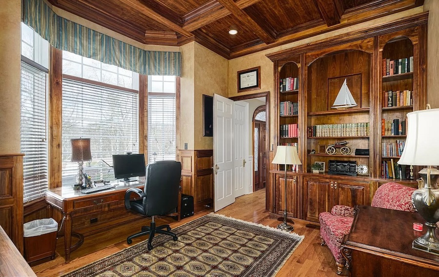 house for sale rose valley Georgian manor study