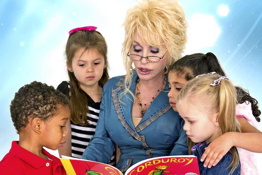 dolly parton reading to kids as part of her dolly parton imagination library initiative
