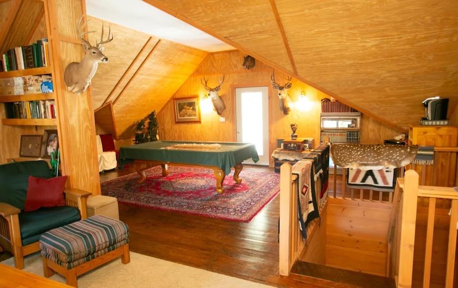 attic rec room/den