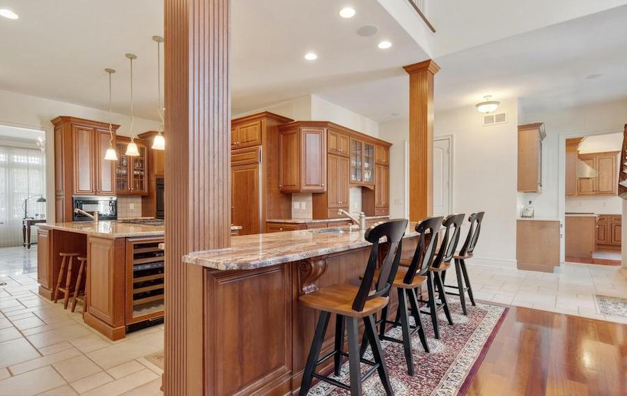 house for sale Hockessin builder's special main kitchen bar