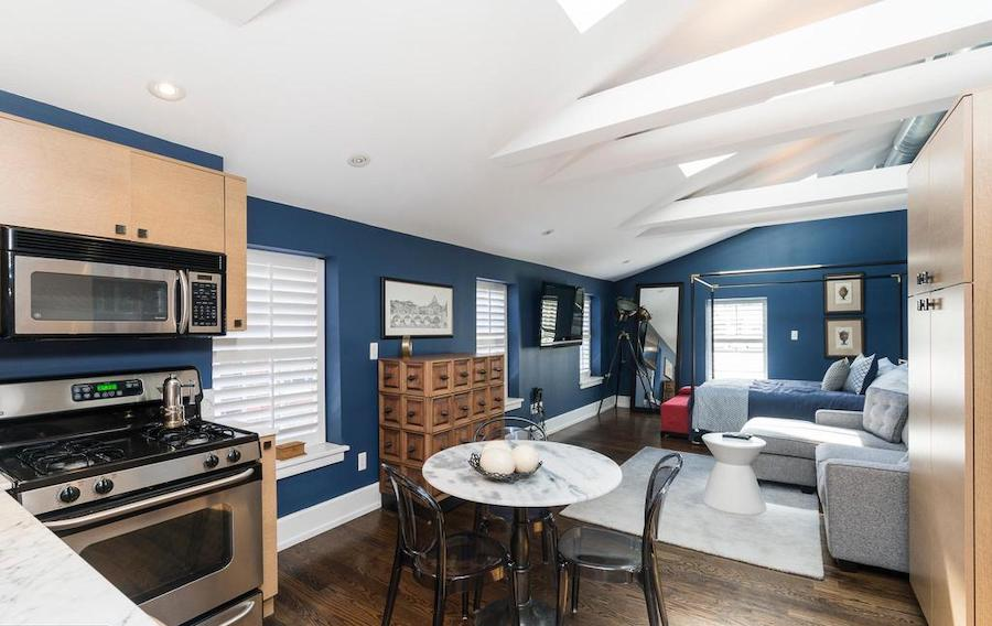 house for sale Rittenhouse renovated townhouse second-floor guest suite
