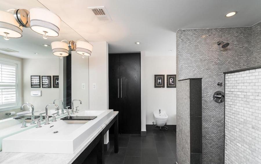 house for sale Rittenhouse renovated townhouse primary bathroom