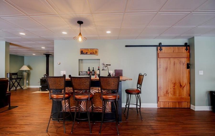 basement rec room: bar