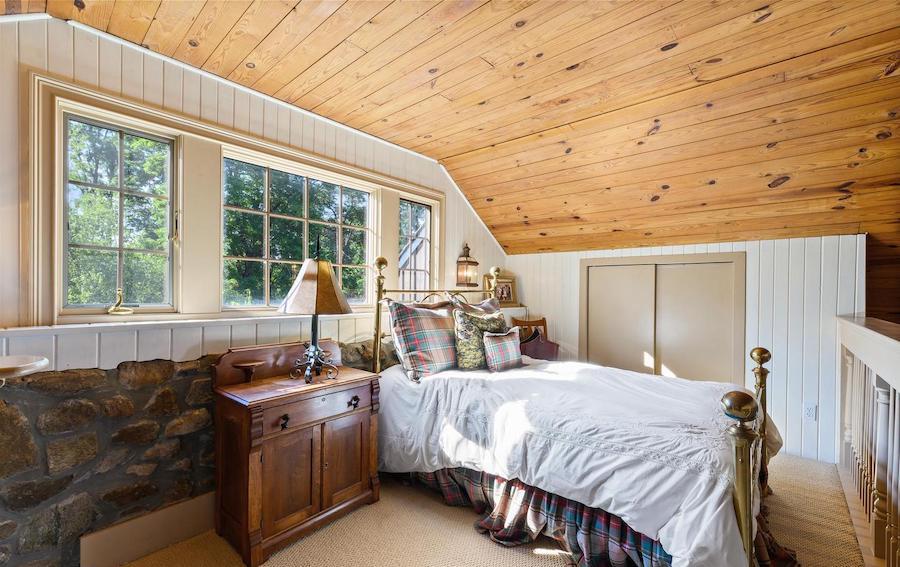 guest house sleeping loft