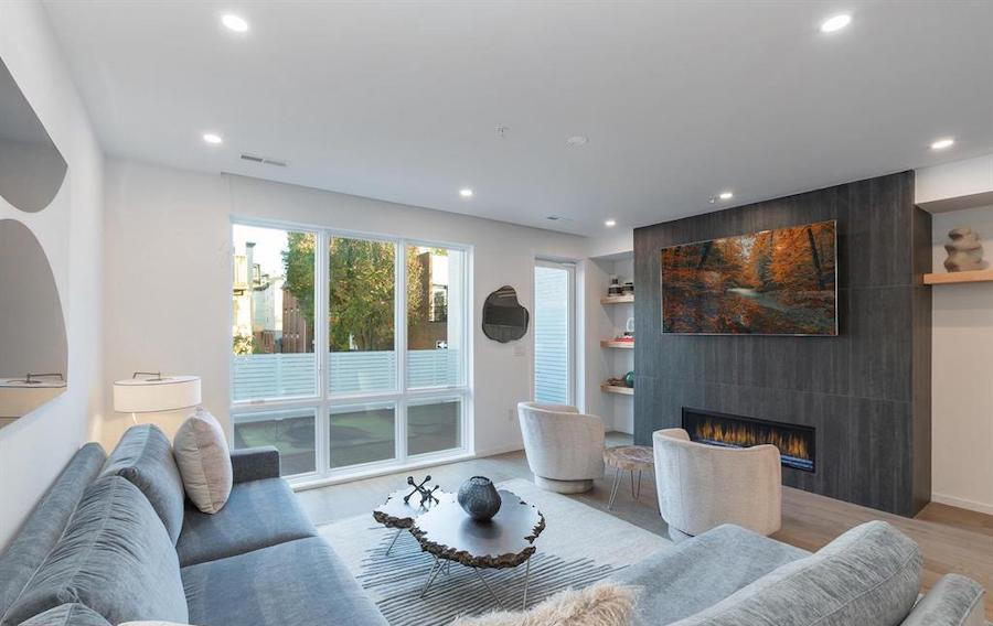 house for sale Rittenhouse Square new construction townhouse living room