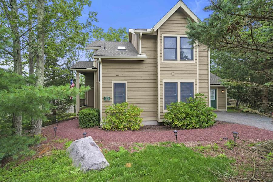 house for sale tannersville contemporary traditional side elevation