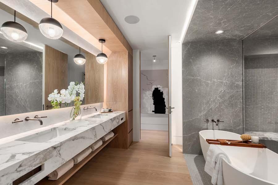condo for sale Rittenhouse Square penthouse primary bathroom
