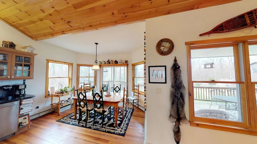 house for sale Hawley modern rustic lodge dining nook