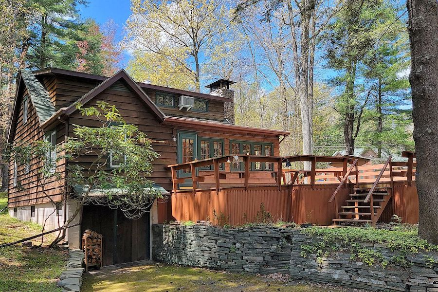 house for sale lake wallenpaupack cabin exterior front