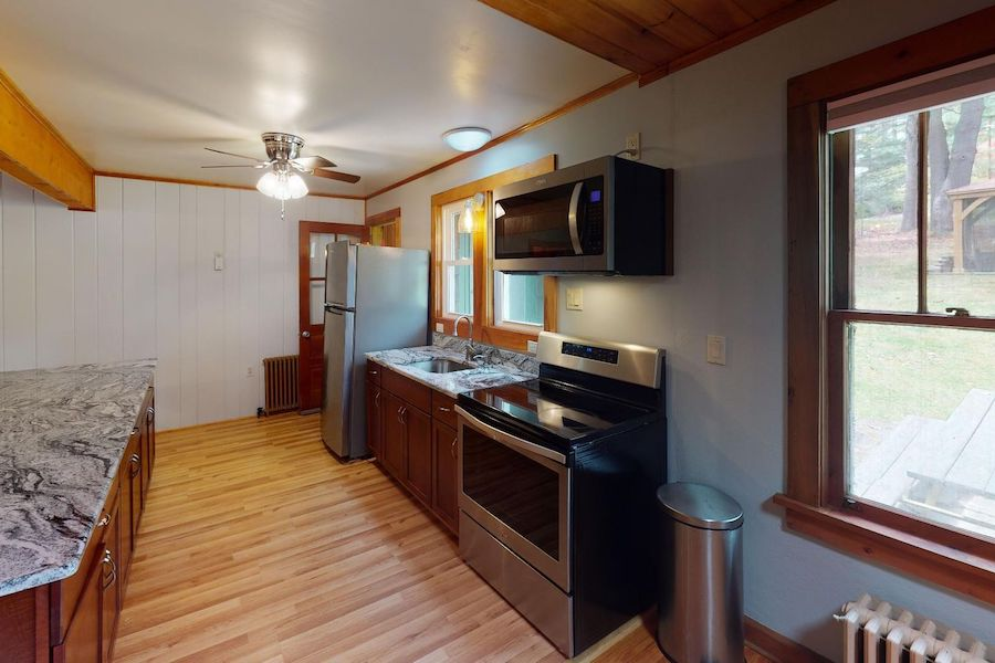 house for sale lake wallenpaupack cabin kitchen