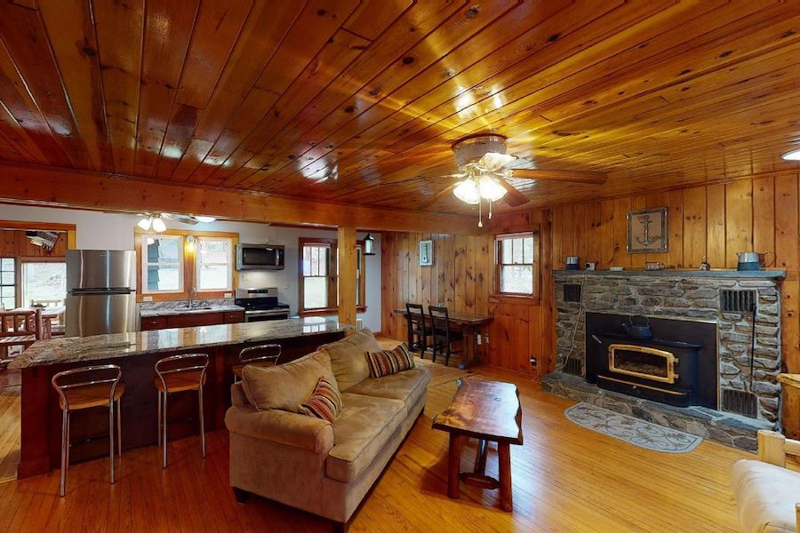 house for sale lake wallenpaupack cabin main living area