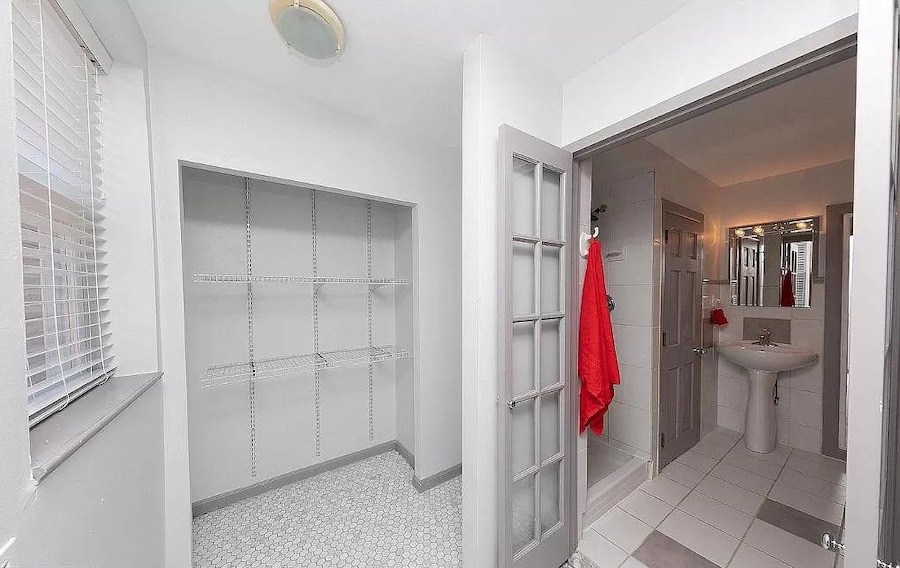 house for sale renovated Bella Vista trinity bathroom and auxiliary room