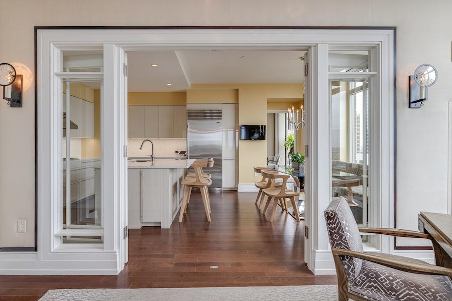 condo for sale 10 Rittenhouse high-floor unit kitchen