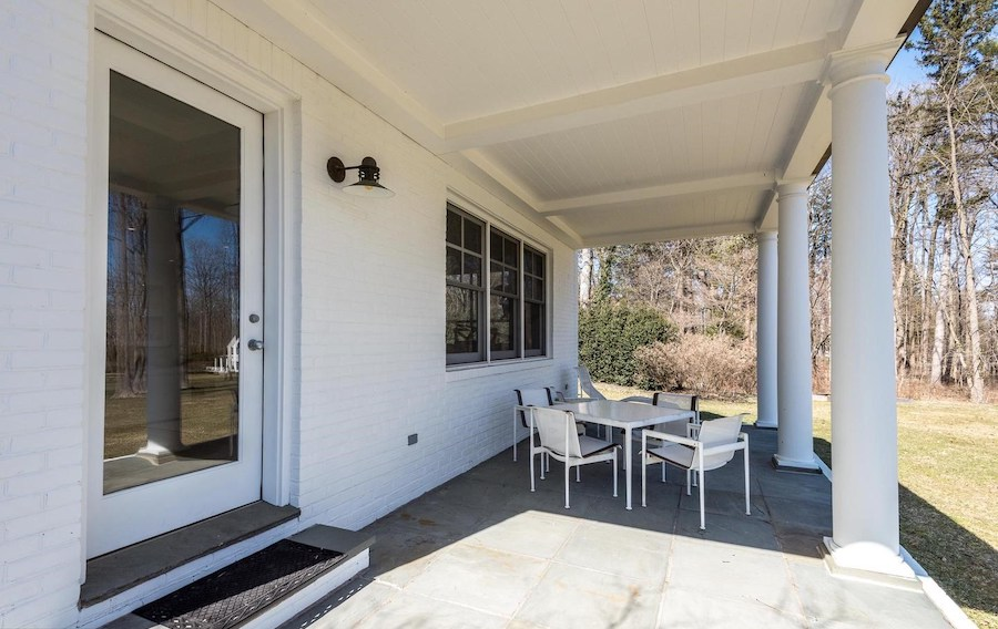 great room side porch