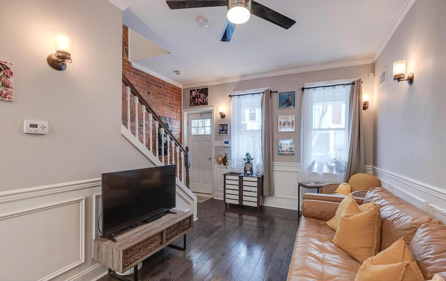 house for sale Brewerytown renovated rowhouse living room