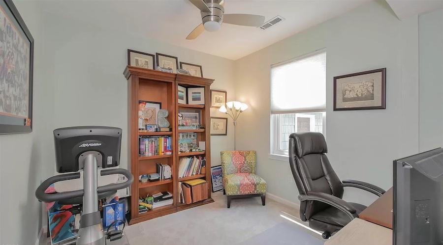 bonus room/home office