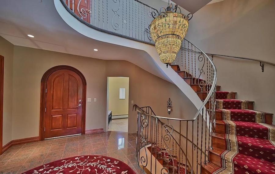 house for sale Mt. Pocono Norman manor foyer