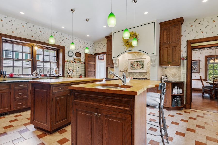 house for sale Horace Trumbauer Wyncote colonial kitchen