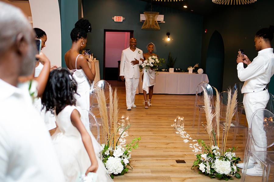 Deacon hotel micro-wedding