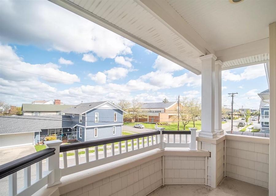 primary bedroom deck