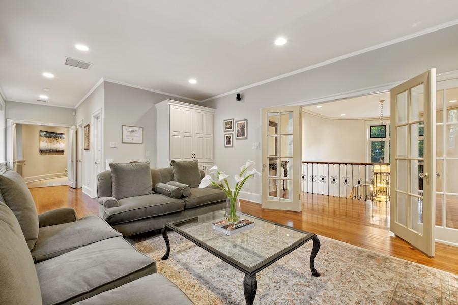 primary suite sitting room