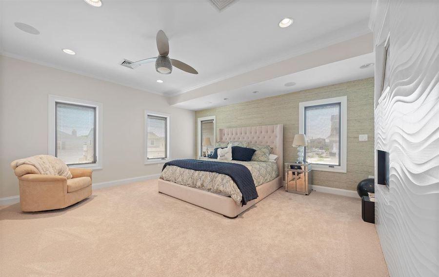 2 Granada Court primary bedroom