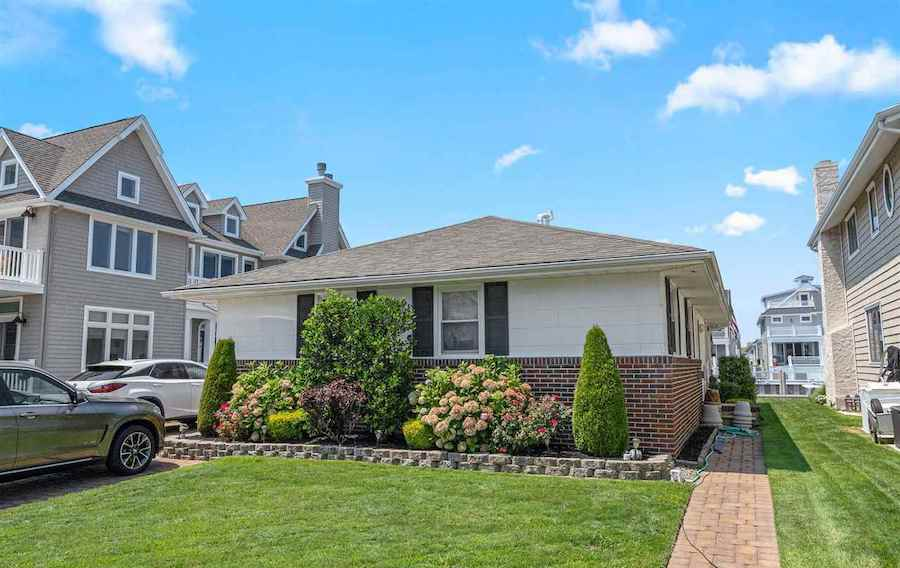houses for sale Ocean City waterfront duo 4 Granada court exterior