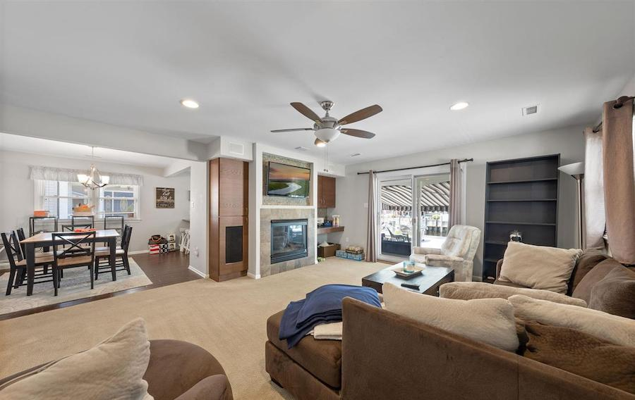 houses for sale Ocean City waterfront duo 4 Granada Court living room