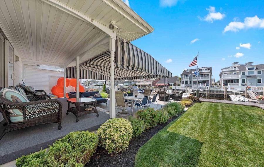 4 Granada Court deck