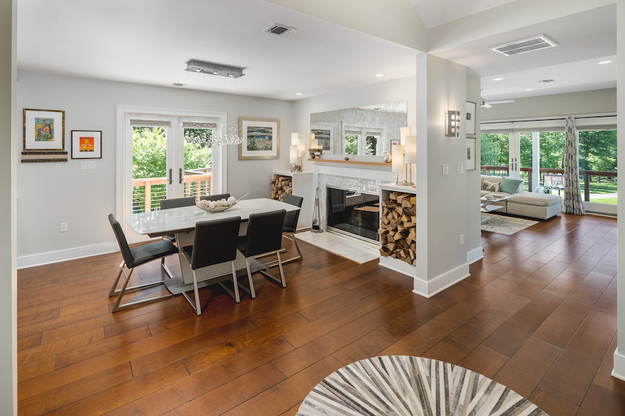 house for sale Pennington off-grid dining room