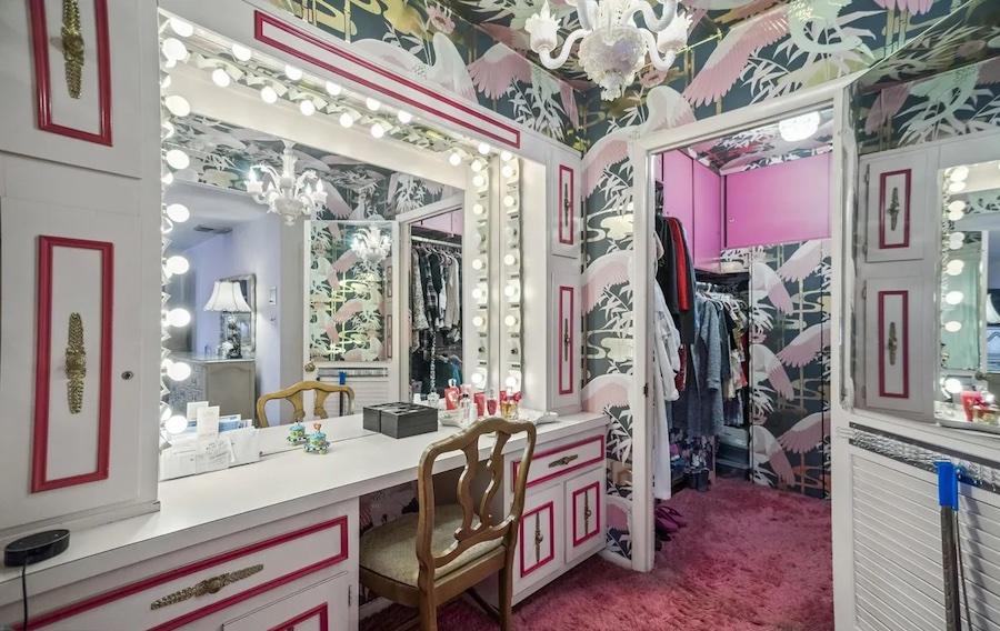 primary suite dressing room
