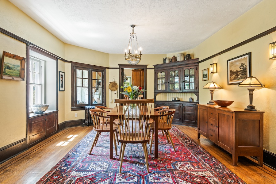 house for sale Wallingford creekside dining room