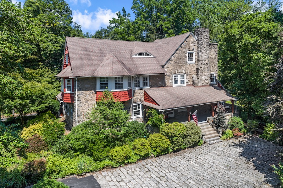 house for sale Wallingford creekside exterior front
