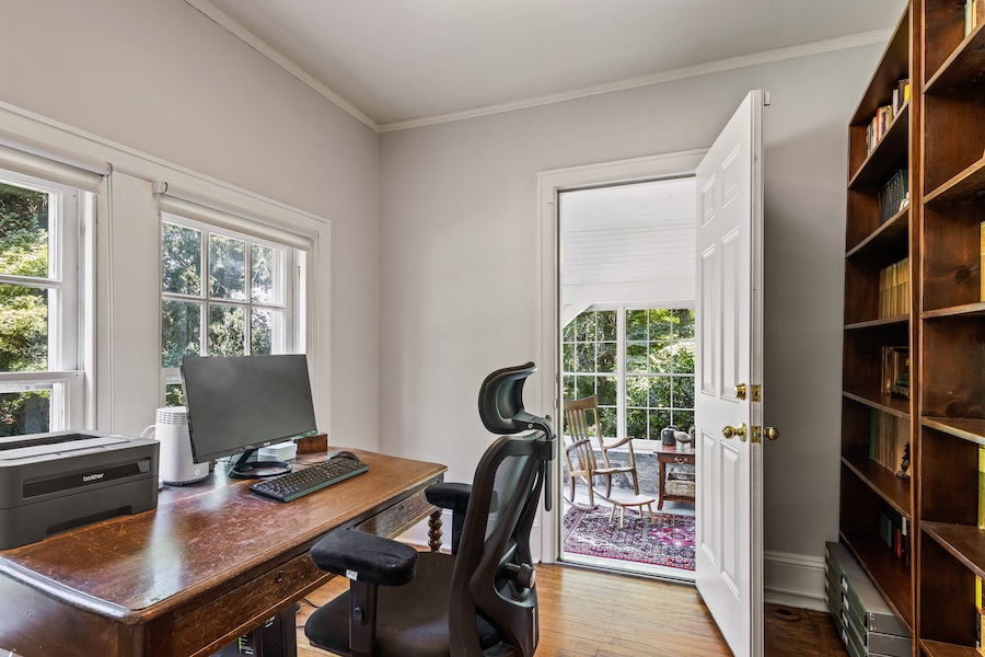 house for sale Wallingford creekside home office