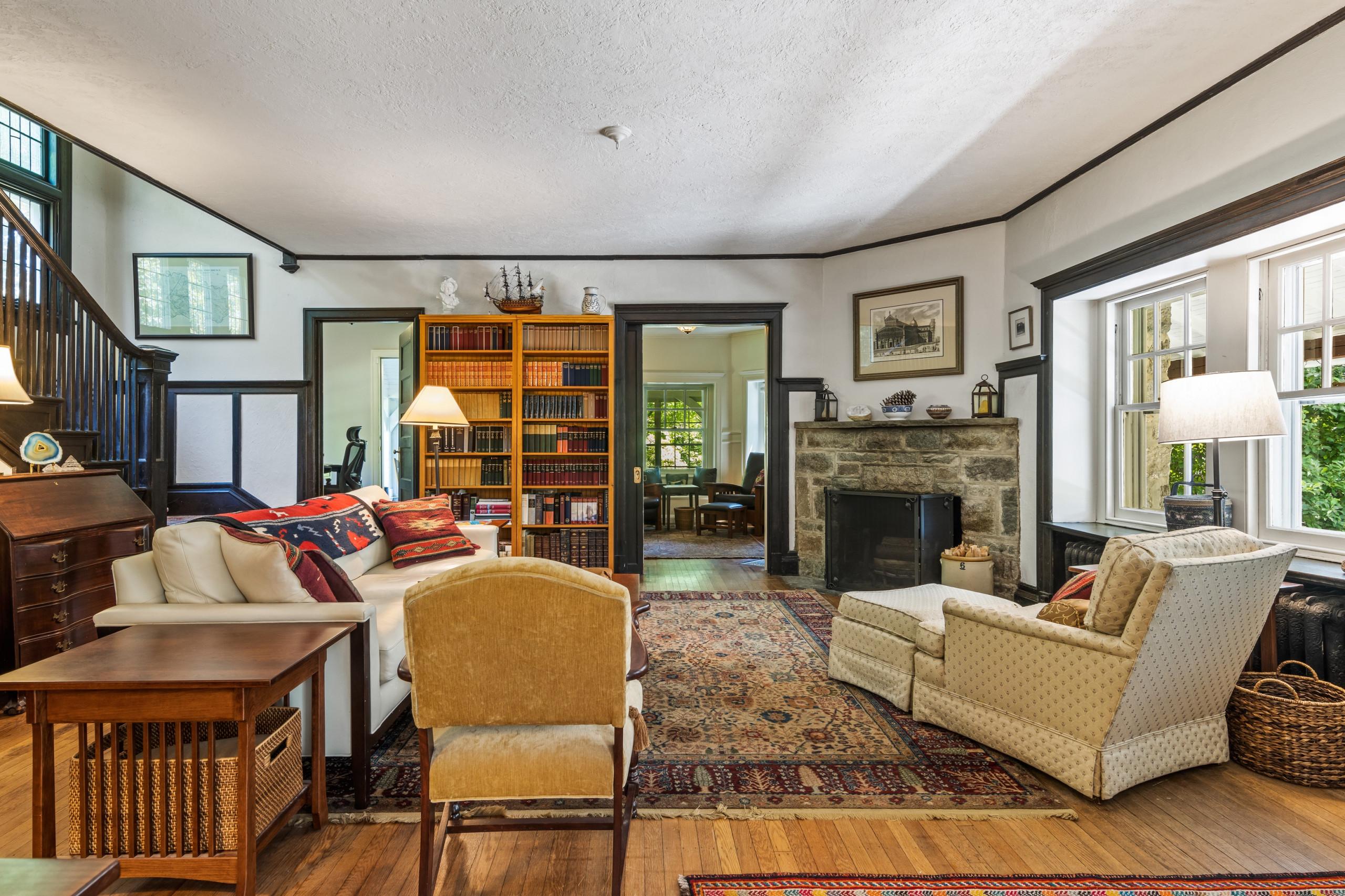 house for sale Wallingford creekside living room