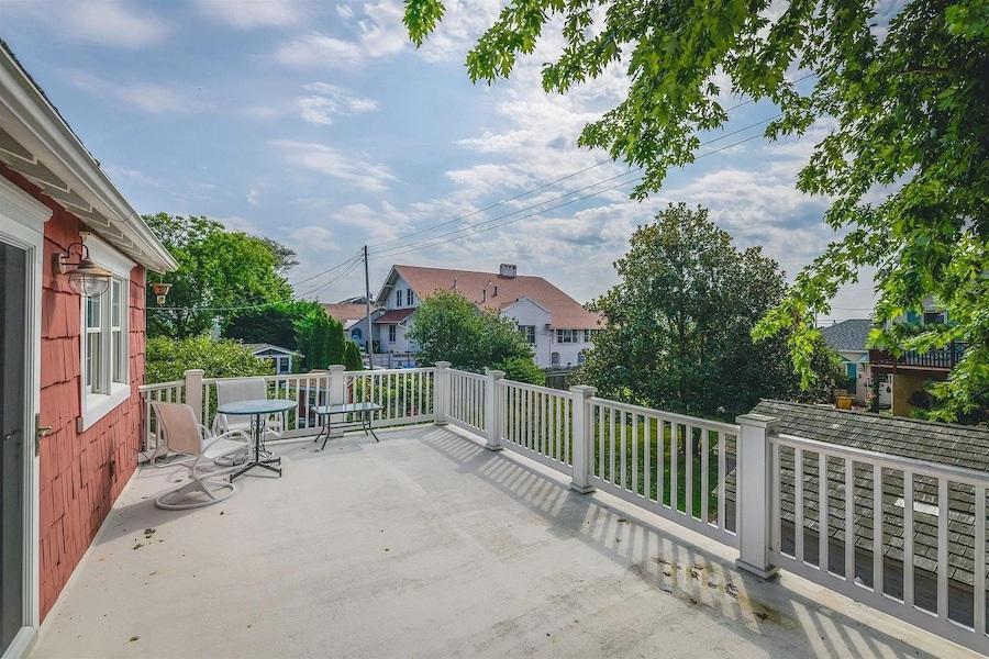 guest cottage deck